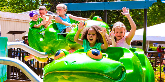 Kids riding Frog Hopper at Dutch Wonderland